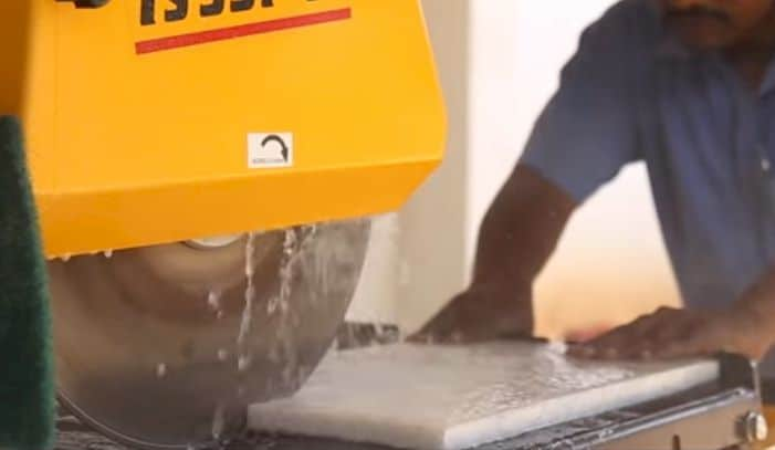 use tile saw